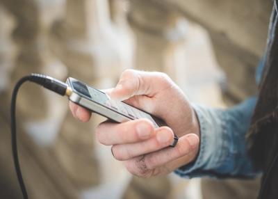 מהם ההבדלים בפועל בין מטענים ניידים איכותיים יותר ואיכותיים פחות?