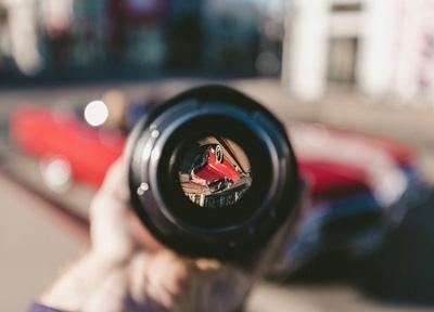 האם מצלמות דרך עתידות לחולל מהפכה בתחום הביטוח לרכב?
