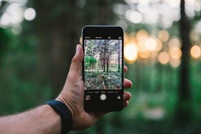 לשלב בין היעילות של הסמארטפון לבין עולם הרכב – מעמד לטלפון