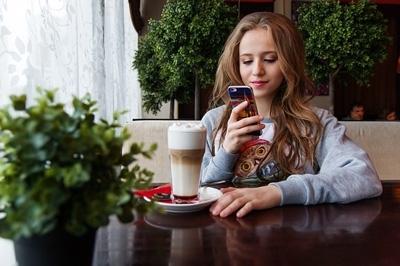 בסמארטפונים של ילדים ומבוגרים לכיסוי מסך טוב חשיבות עליונה